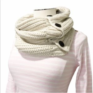 New TIMBERLAND Knit Button Infinity Scarf Cream